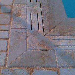 Pavimento: Tango Opus Antique / Bordo e Caditoia: Egnatia