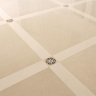 Pavimento: Trani Classico-Sivec / Tozzetto Decorativo: Ambrato-Sivec-Trani Classico