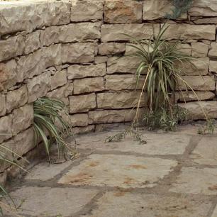 Retaining Wall: Cava Selciato