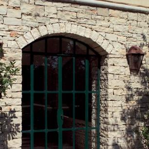 Door Surround: Cava Lite Listello Tango