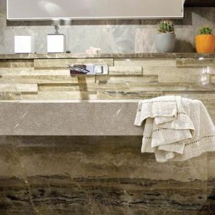 Covering: Ambrato Controverso Lucido / Washbasin: Ambrato Visone, Scalpelletto, Silk